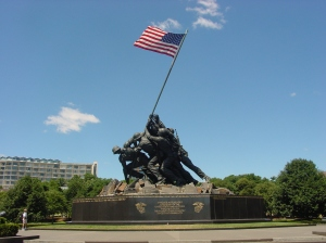 US_Marine_Corps_War_Memorial_(Iwo_Jima_Monument)_near_Washington_DC